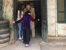 Xôn xao hình ảnh chụp Thư Dung dìu bố ở quê