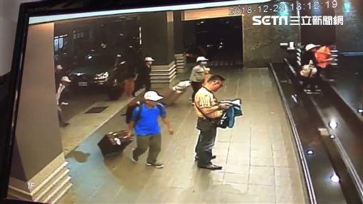 Những hình ảnh của 152 du khách Việt biến mất ở Đài Loan: Vào khách sạn 1 giờ để thay quần áo rồi bỏ trốn-1