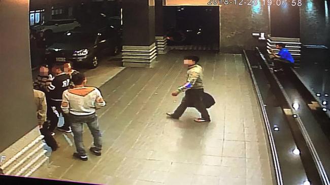 Những hình ảnh của 152 du khách Việt biến mất ở Đài Loan: Vào khách sạn 1 giờ để thay quần áo rồi bỏ trốn-3