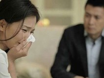 Về nhà giữa trưa, vợ trẻ khóc ngất trước cảnh trớ trêu trong phòng ngủ