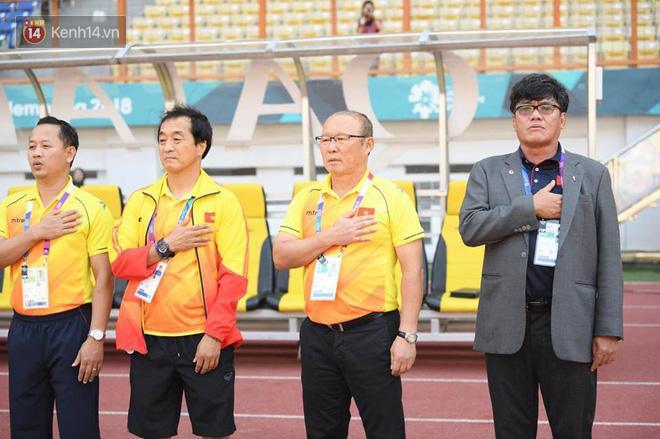 Có một người thầy dễ thương như HLV Park Hang-seo: Thương cầu thủ như con, lúc nào cũng thân thiện với fan-6