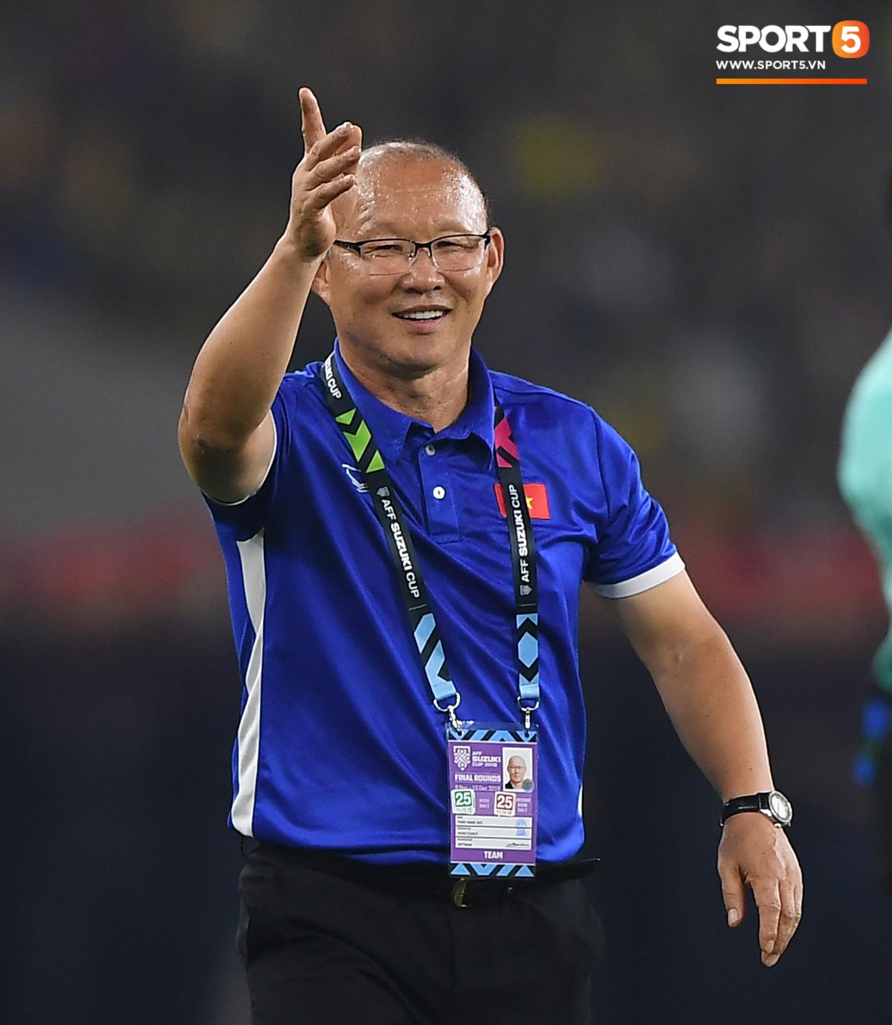 Có một người thầy dễ thương như HLV Park Hang-seo: Thương cầu thủ như con, lúc nào cũng thân thiện với fan-5