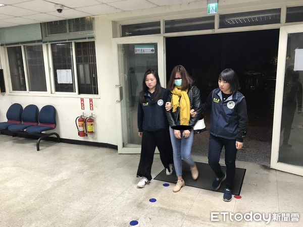 Cảnh sát Đài Loan mai phục bắt người, triệt phá 1 đường dây người Việt lừa đảo người Việt-4