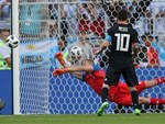 Messi tỏa sáng giúp Barca xây chắc ngôi đầu La Liga-4