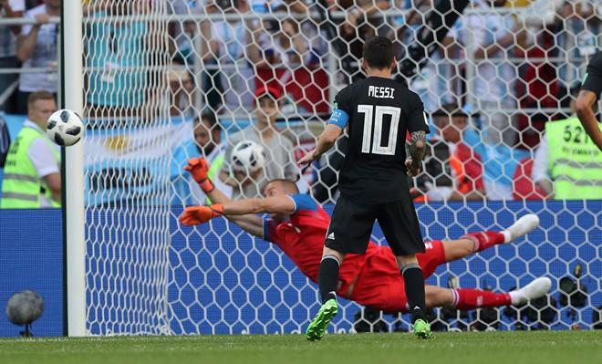 Messi lý giải nguyên nhân thường sút hỏng penalty-1