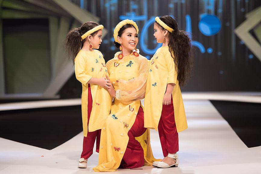 Hoa hậu Tiểu Vy đẹp mơ màng với áo dài, làm vedette sàn catwalk-8