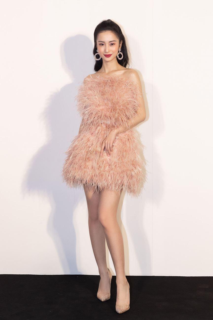 Hoa hậu Thu Thảo tái xuất sau sinh con, vẫn đẹp tựa thần tiên tỷ tỷ-15