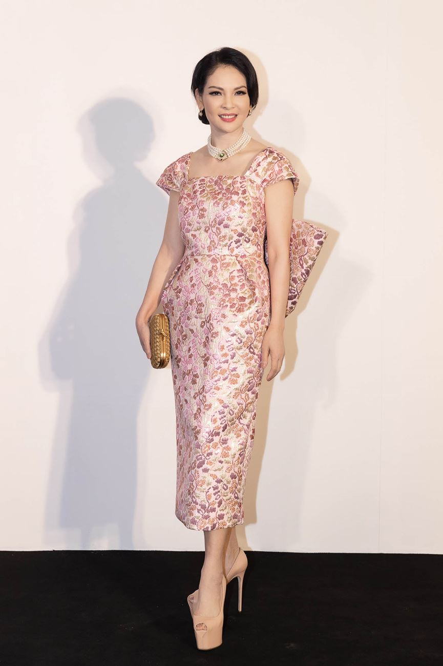 Hoa hậu Thu Thảo tái xuất sau sinh con, vẫn đẹp tựa thần tiên tỷ tỷ-19