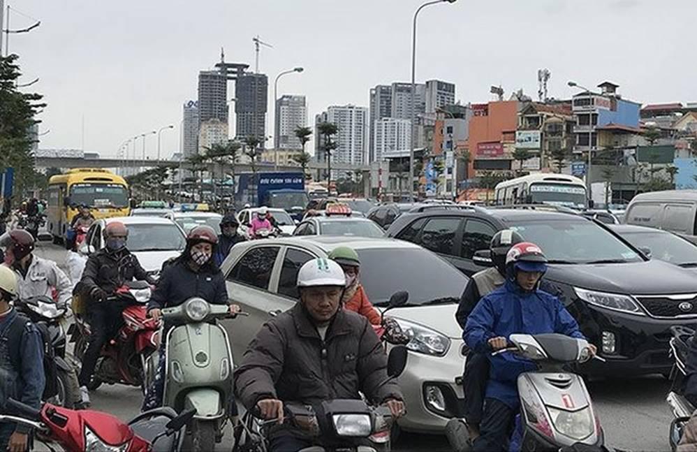 Bến xe, đường phố nghẹt thở vì dân ùn ùn về quê nghỉ Tết dương lịch-9