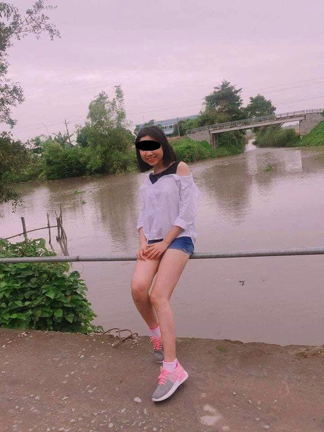 Cô gái ngã lộn cổ xuống sông sau phút giây miệt mài tạo dáng chụp ảnh-1