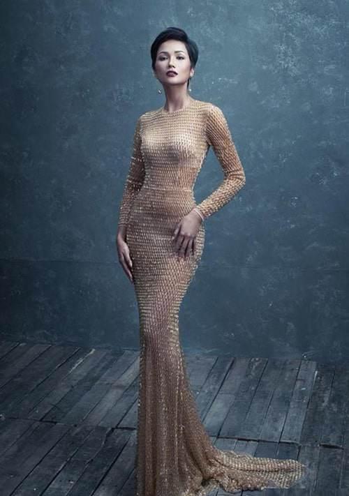 Cuộc chiến váy áo showbiz thêm căng thẳng khi HHen Niê liên tục đụng độ với loạt mỹ nhân-8