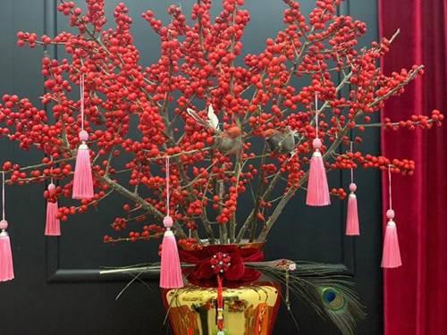 Kỳ lạ hoa đào đỏ au bán gần triệu đồng một cành dịp Tết Dương lịch-1