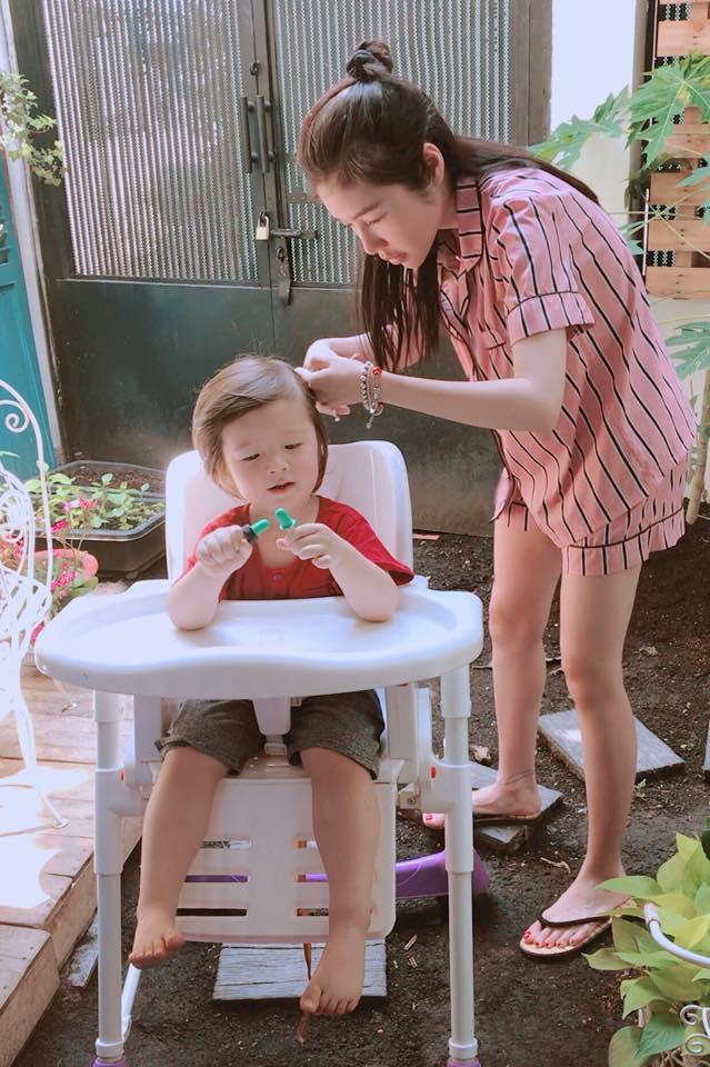 Không phải khi khoe thân, đây mới là khoảnh khắc Elly Trần khiến nhiều người ngưỡng mộ-7