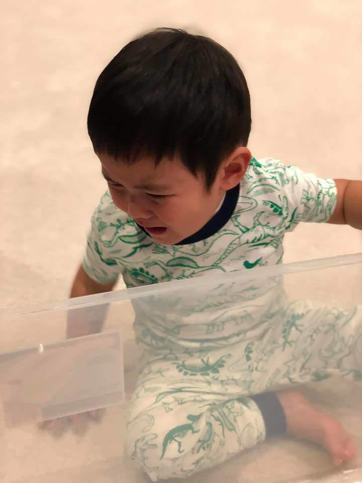 Hào hứng gói quà từ thiện cùng mẹ nhưng phản ứng cuối cùng của con trai Đan Trường gây choáng-4