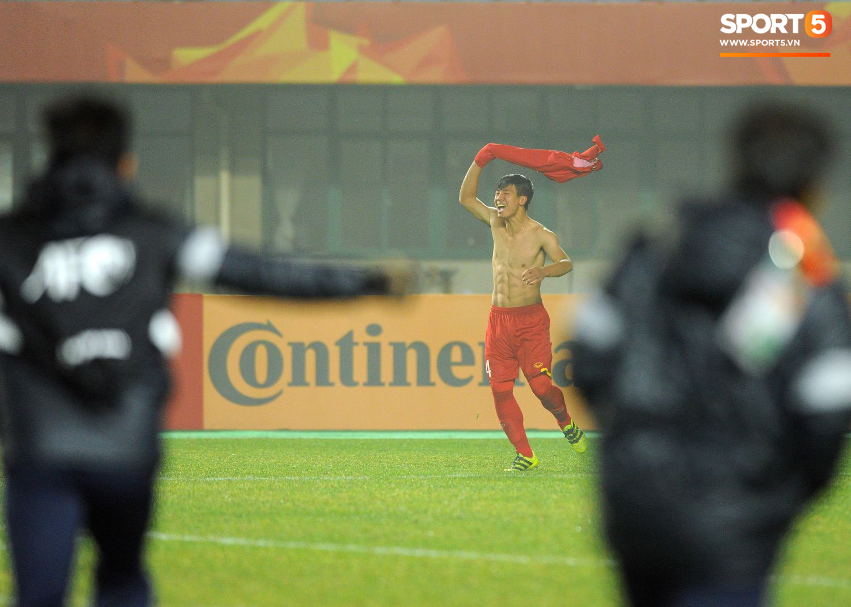 Hành trình kỳ diệu của bóng đá Việt Nam trong năm 2018 qua ảnh-1