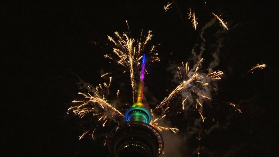 Đại tiệc pháo hoa trên bầu trời châu Á chào đón năm mới 2019-2