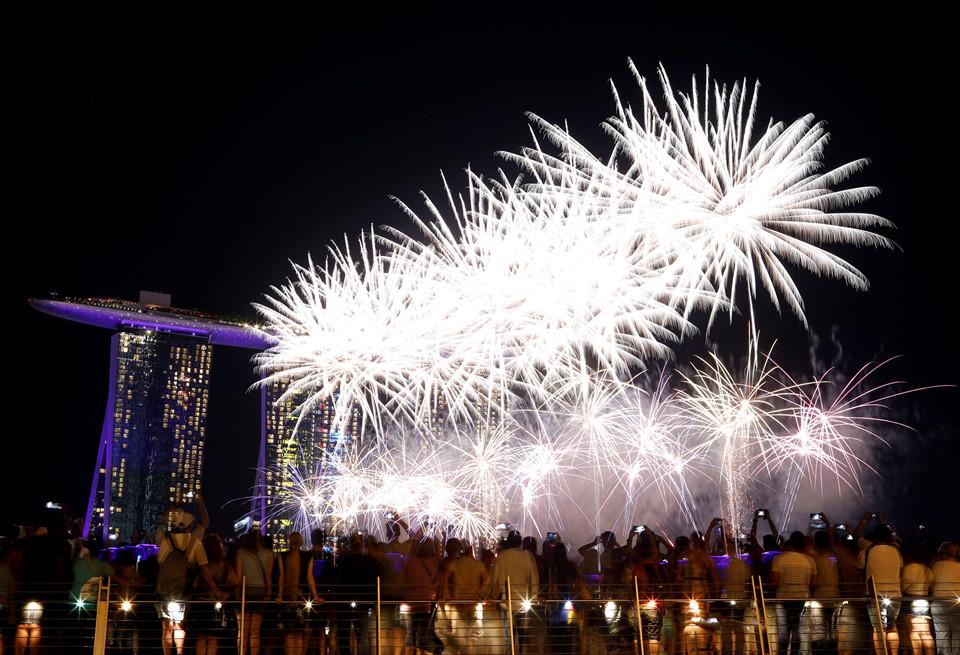 Đại tiệc pháo hoa trên bầu trời châu Á chào đón năm mới 2019-17