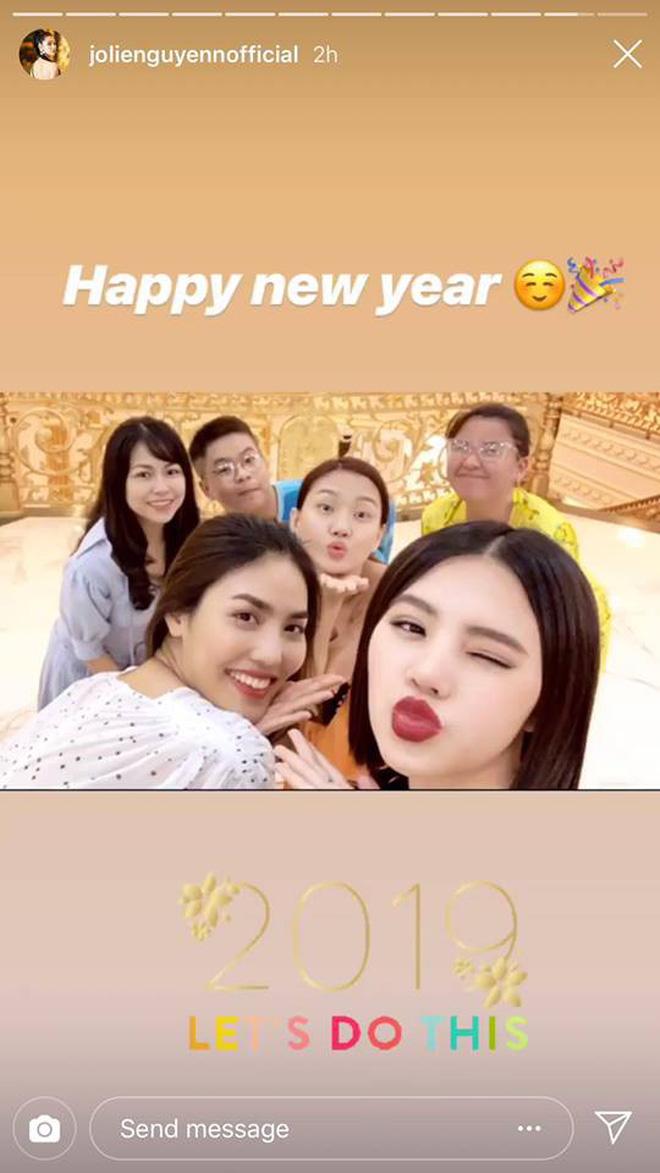 Tiệc chào năm mới của Rich Việt: Dẫn đầu về độ sang chảnh vẫn là hội em chồng Hà Tăng!-14