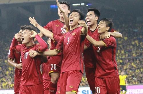 Thắng đậm trước Philippines, tuyển Việt Nam viết đoạn kết hoàn hảo cho năm 2018-2