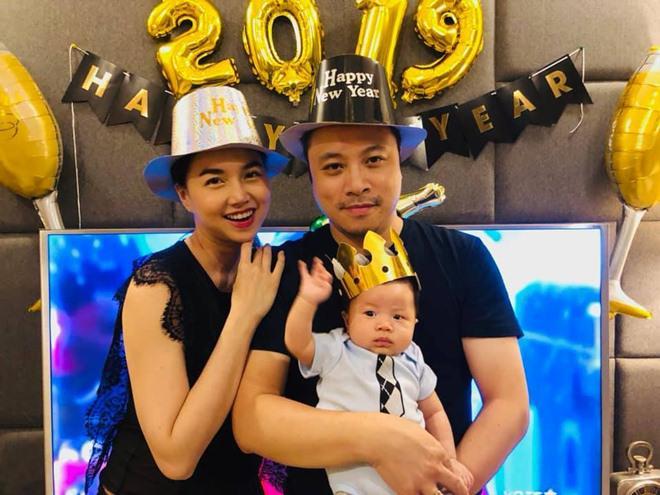 Sao nhí đón năm mới: Nhà giàu nhưng 2 con Jennifer Phạm khó quên vì thứ rẻ hều này!-7