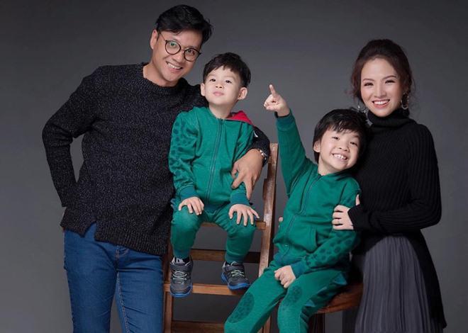 Sao nhí đón năm mới: Nhà giàu nhưng 2 con Jennifer Phạm khó quên vì thứ rẻ hều này!-12