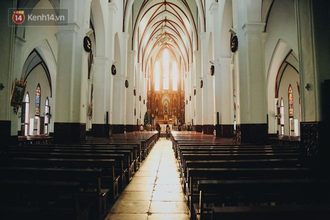 Câu chuyện về vết sẹo dài trên cơ thể người kéo chuông cuối cùng ở Nhà thờ lớn Hà Nội-7