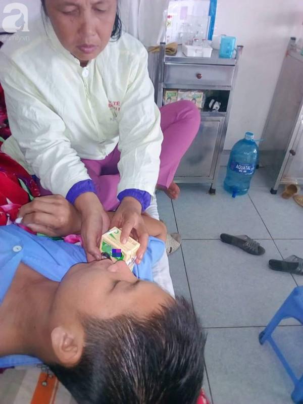 Người mẹ 54 tuổi đau đớn nhìn 3 con bị bệnh hiểm nghèo không có tiền chữa trị-3