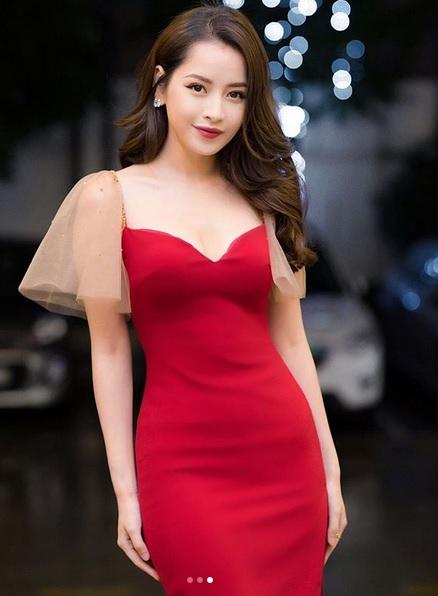 Pha đụng váy áo mở hàng đầu năm: Khoe vòng 1 phồn thực, Chi Pu - Angela Phương Trinh đẹp bất phân thắng bại-2
