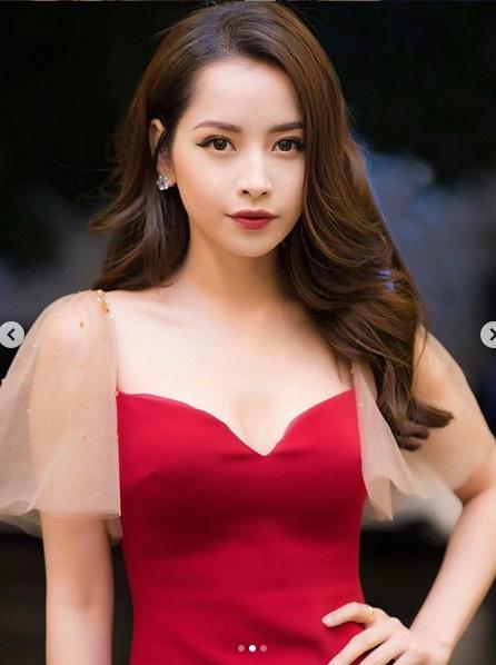 Pha đụng váy áo mở hàng đầu năm: Khoe vòng 1 phồn thực, Chi Pu - Angela Phương Trinh đẹp bất phân thắng bại-3
