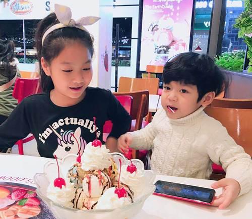 Những bức ảnh đoàn viên ấm áp của gia đình nhà sao Việt đầu năm 2019-3