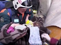 Em bé sống sót sau 35 giờ bị chôn vùi dưới cái lạnh -26 độ tại Nga