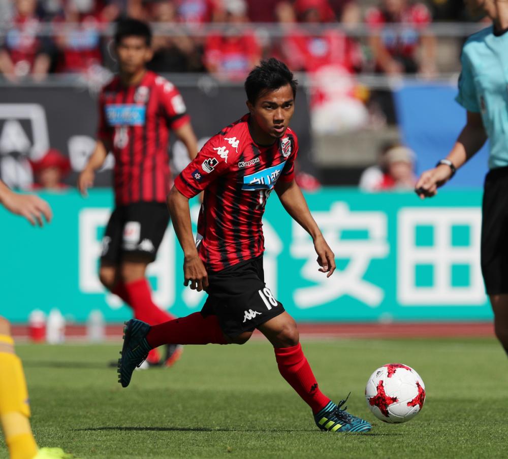 Quang Hải cùng Messi Thái Lan lọt top 15 cầu thủ xuất sắc nhất châu Á 2018-2