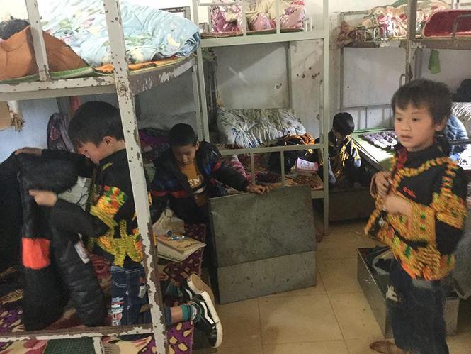 Thầy cô xứ Lạng đốt củi, thêm gừng vào bữa ăn giúp học sinh chống rét-2
