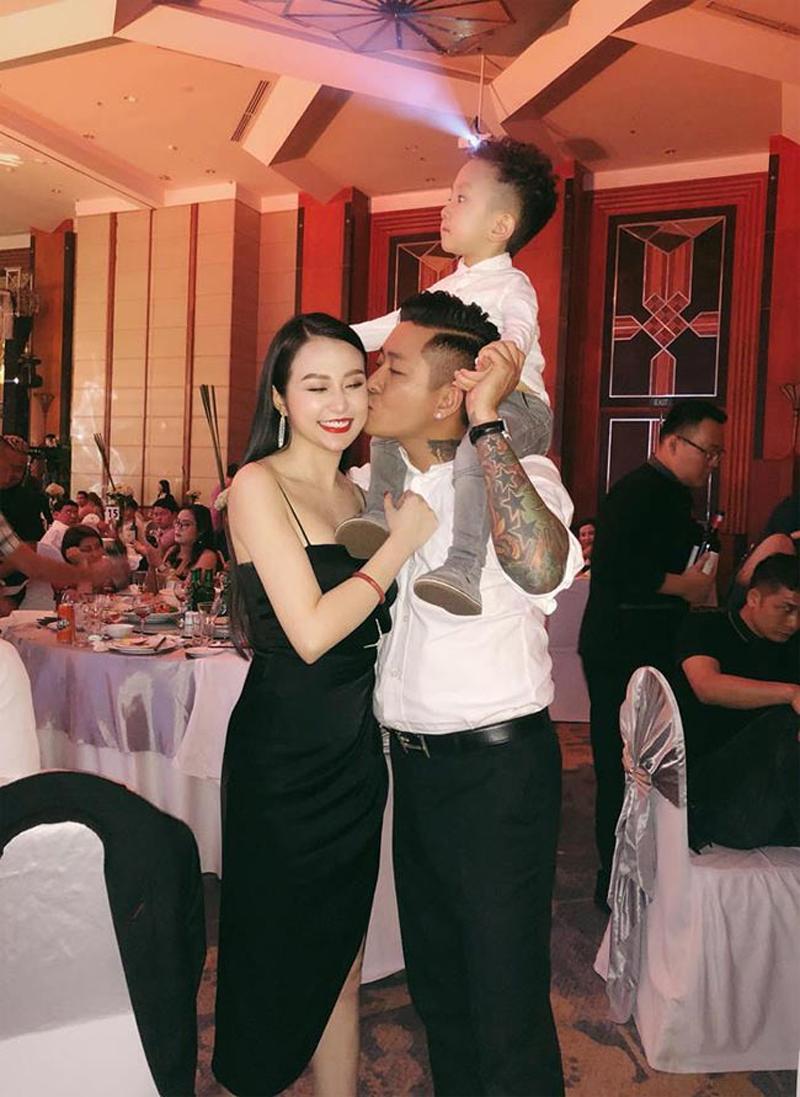 Qua 2 lần sinh nở nhưng phải thừa nhận vợ Tuấn Hưng là vợ ca sĩ Việt quyến rũ nhất-1