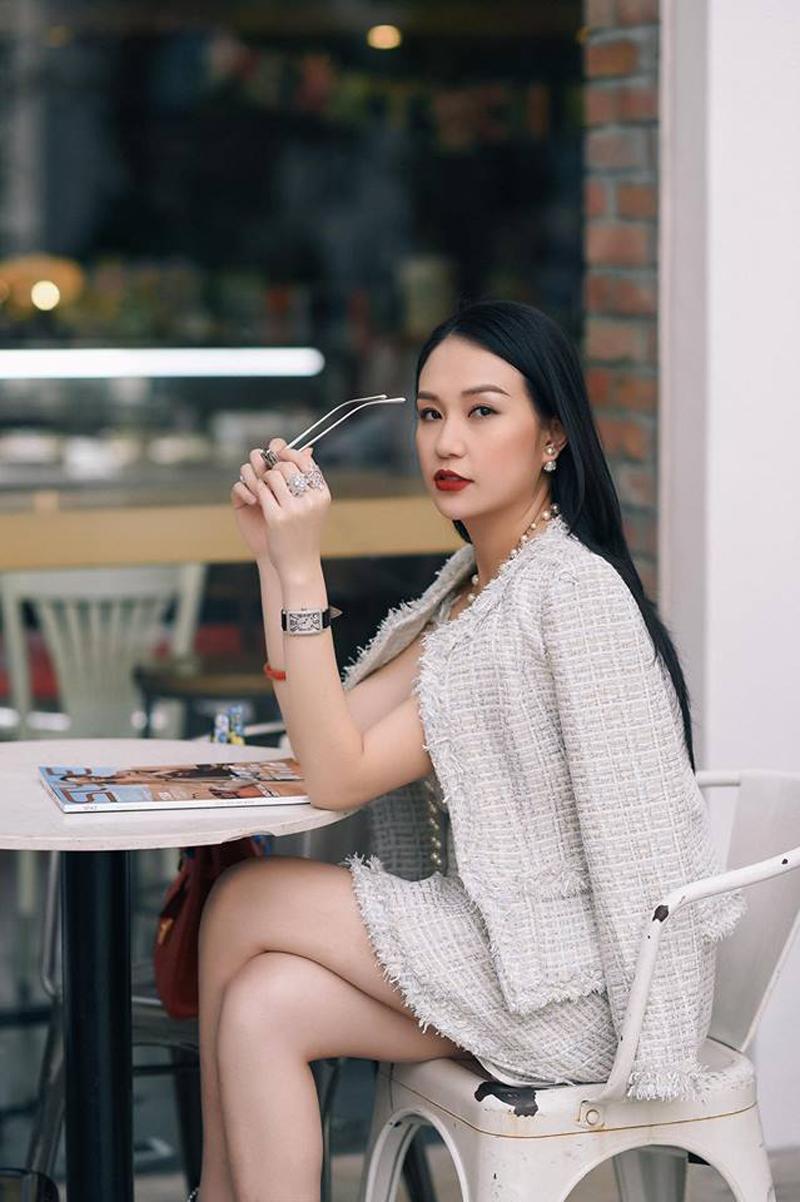 Qua 2 lần sinh nở nhưng phải thừa nhận vợ Tuấn Hưng là vợ ca sĩ Việt quyến rũ nhất-14