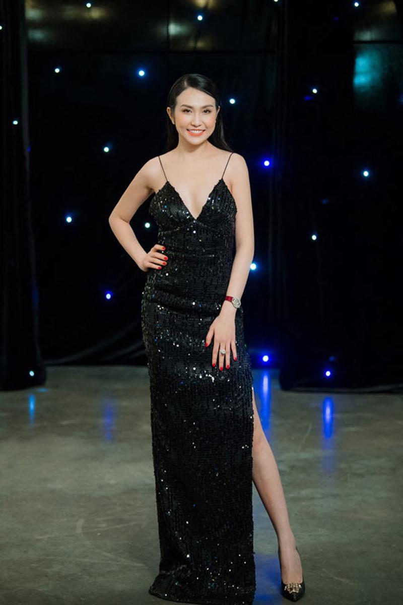 Qua 2 lần sinh nở nhưng phải thừa nhận vợ Tuấn Hưng là vợ ca sĩ Việt quyến rũ nhất-3