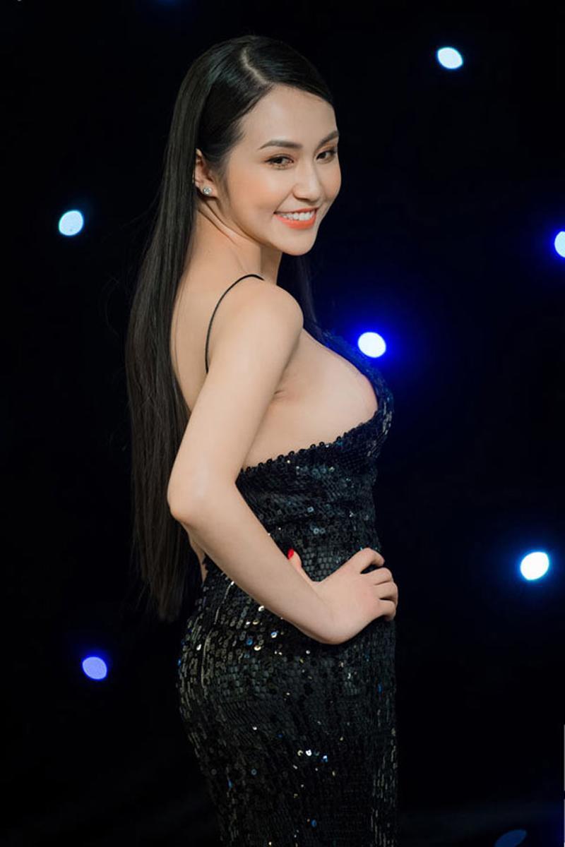 Qua 2 lần sinh nở nhưng phải thừa nhận vợ Tuấn Hưng là vợ ca sĩ Việt quyến rũ nhất-4