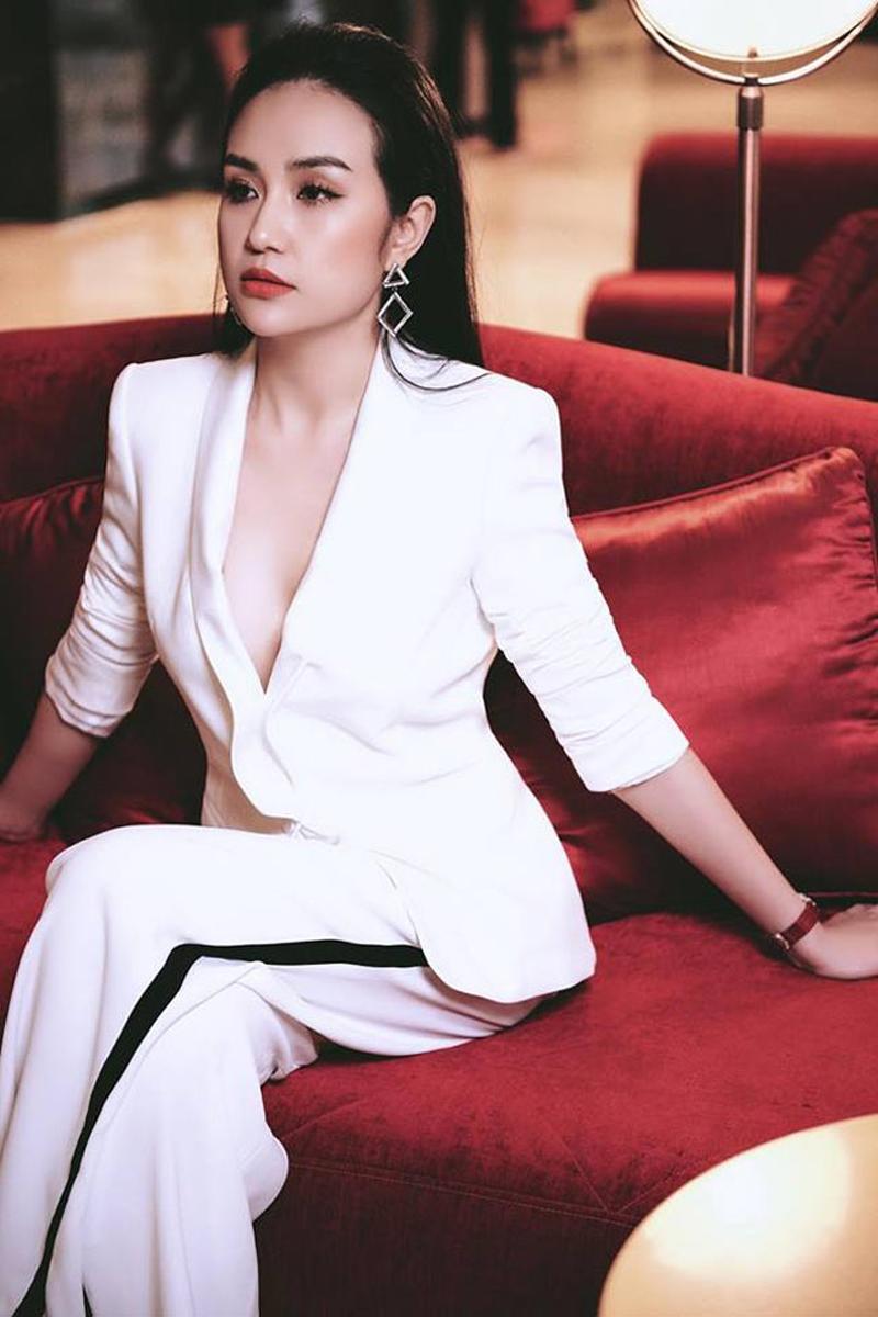 Qua 2 lần sinh nở nhưng phải thừa nhận vợ Tuấn Hưng là vợ ca sĩ Việt quyến rũ nhất-8