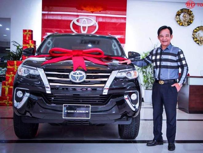 Khối tài sản nhà và xe hoành tráng, đắt đỏ của vợ chồng NSƯT Quang Tèo-2