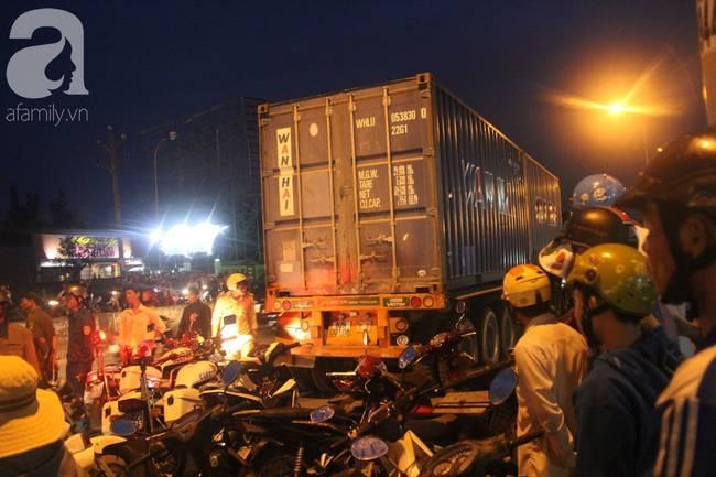 Nạn nhân vụ container tông nhiều xe máy ở Long An chuyển tới BV Chợ Rẫy đã lên 14 người-15