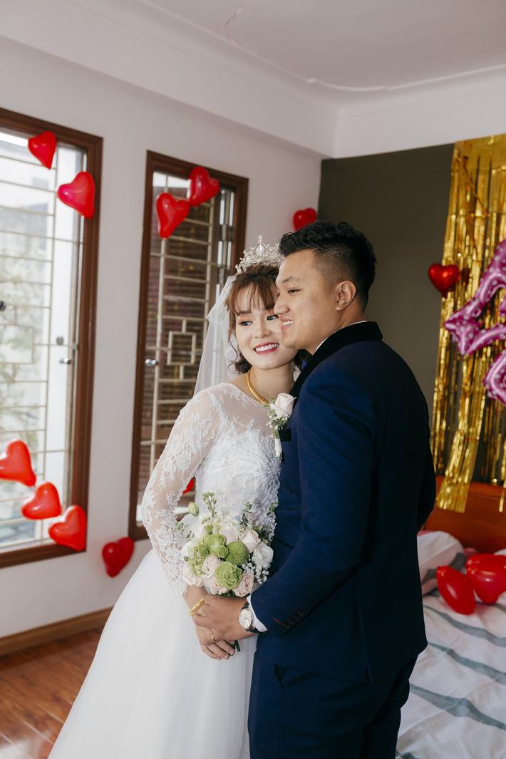Hoa khôi bóng bàn Nguyễn Thị Nga về chung một nhà với cựu đội trưởng của Quang Hải, Đình Trọng-9