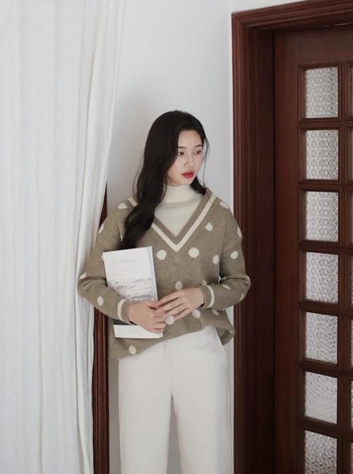 5 kiểu mặc layer với áo len để nàng công sở vừa ấm vừa xinh-2