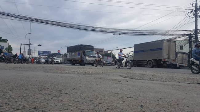 Một ngày sau tai nạn thảm khốc ở Long An: ám ảnh cho người ở lại, con đường xuống cấp nghiêm trọng-2