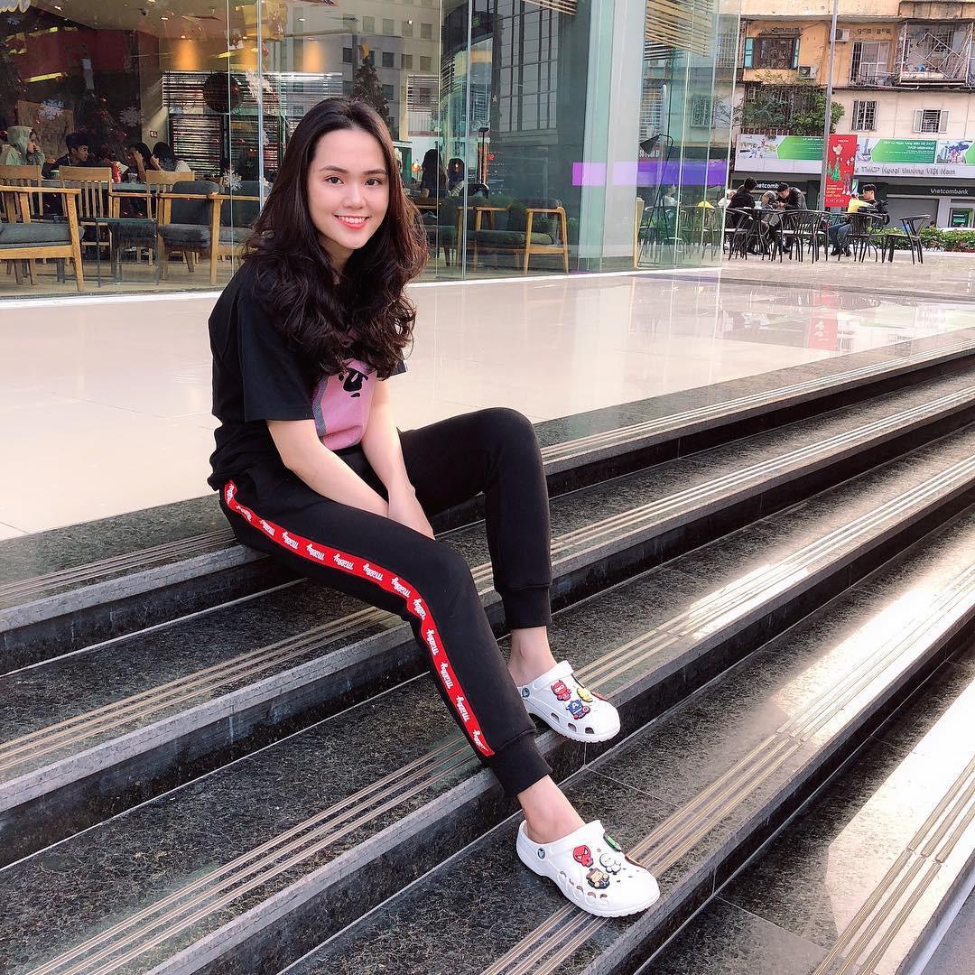 Tiếp bước bạn gái Quang Hải, người yêu Duy Mạnh cũng đang trở thành hot girl quảng cáo?-2