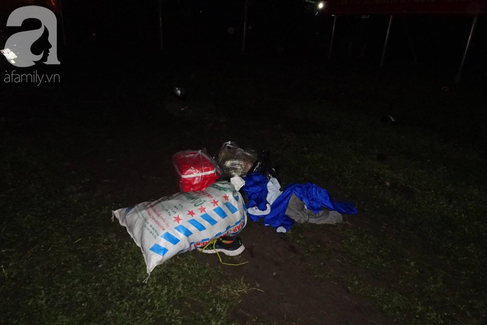 Đám tang đẫm nước mắt của những nạn nhân vụ tai nạn: Dưới bánh xe container định mệnh, họ chẳng bao giờ tỉnh dậy nữa-5