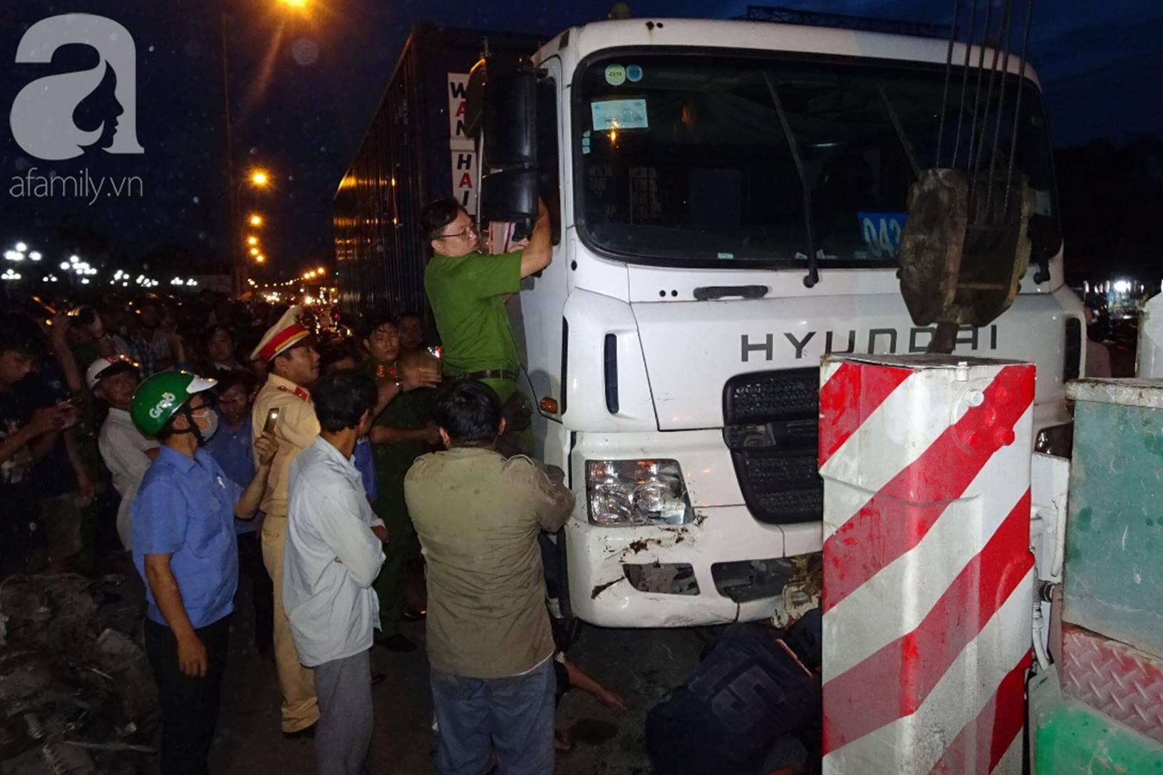 Đám tang đẫm nước mắt của những nạn nhân vụ tai nạn: Dưới bánh xe container định mệnh, họ chẳng bao giờ tỉnh dậy nữa-6