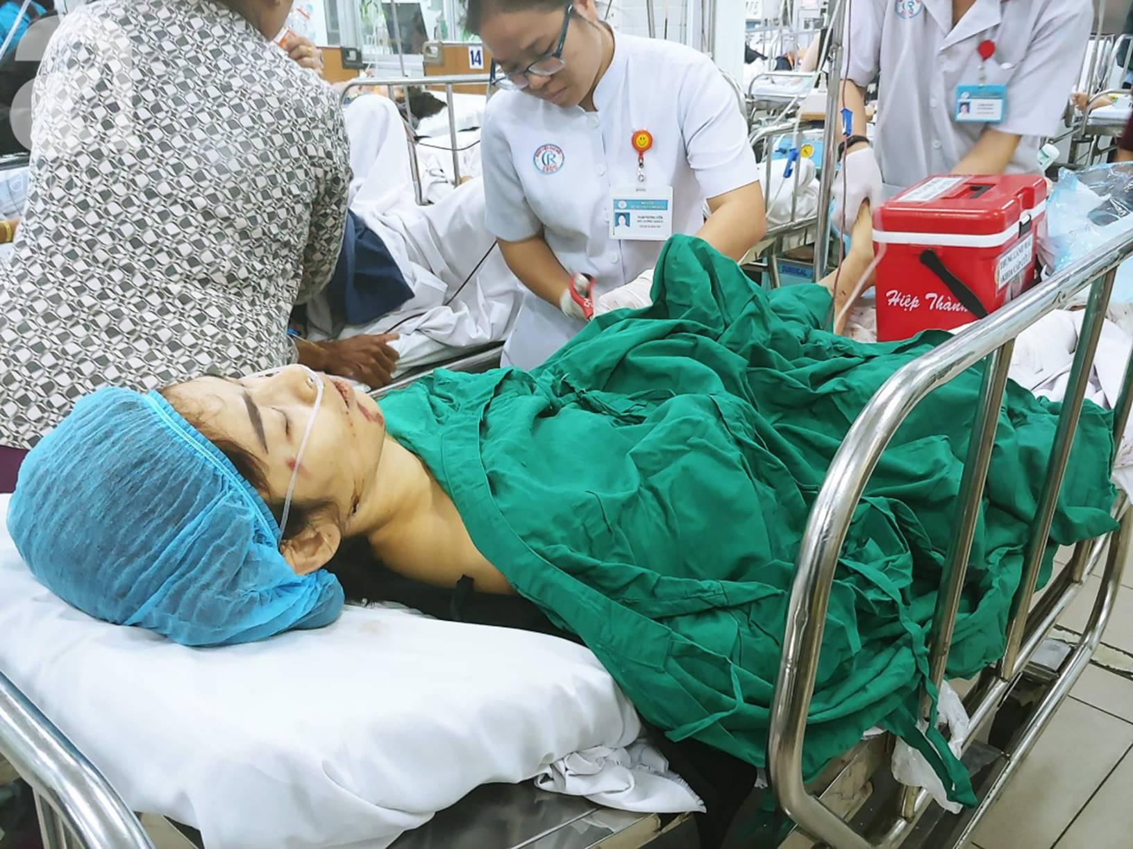 Đám tang đẫm nước mắt của những nạn nhân vụ tai nạn: Dưới bánh xe container định mệnh, họ chẳng bao giờ tỉnh dậy nữa-8