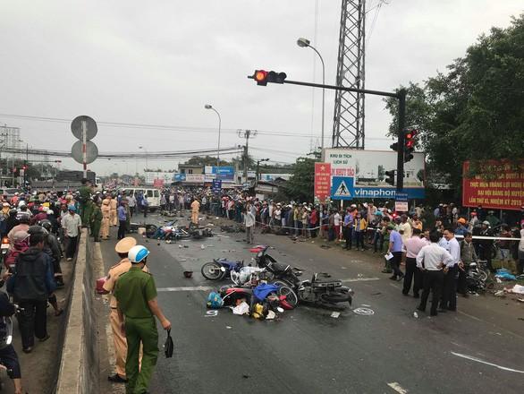Tài xế điều khiển container gây tai nạn kinh hoàng ở Long An có thể đối mặt với tội danh, mức án nào?-5