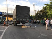 Đi khám thai, người phụ nữ bị xe tải cán chết ở vòng xoay Sài Gòn
