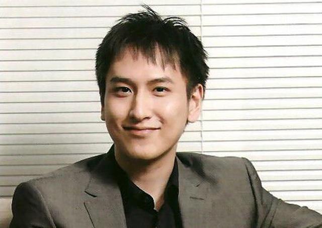 Thiếu gia Hồng Kông đẹp trai như tài tử, 18 tuổi thành tỷ phú nhưng U40 vẫn chưa lấy vợ-2